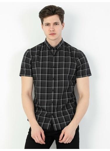 Colin's Slim Fit Standart Kol V Yaka Erkek Gömlek Kısa Kol Siyah